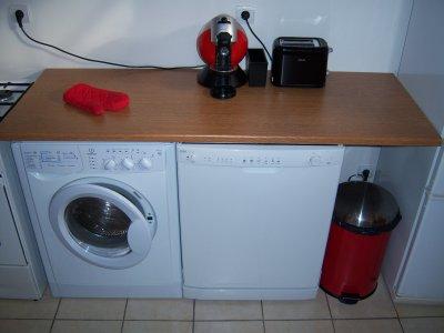 et un lave vaisselle avec un plan de travail a change la vie lol new life. Black Bedroom Furniture Sets. Home Design Ideas